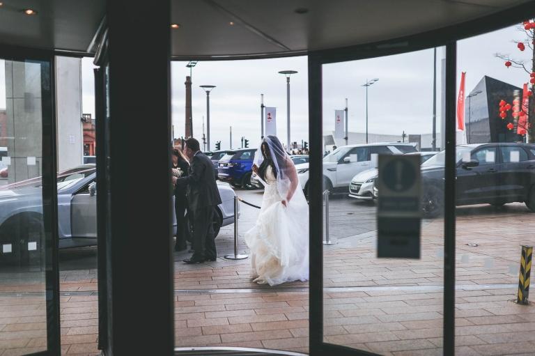 bride arrives at Hilton liverpool