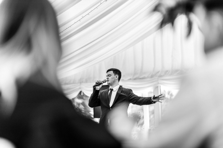 Singer entertains at the drinks reception
